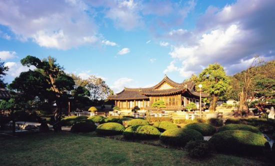떼제베CC는 테마여행지로도 딱이다. 사진은 김기창 화백의 사저 '운보의 집'.