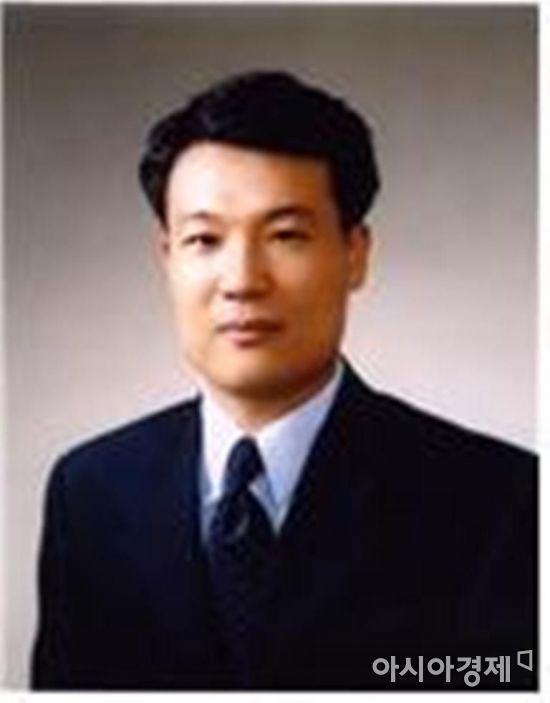 전남대 연구수준 드높인 교수 3인, 용봉학술상 수상
