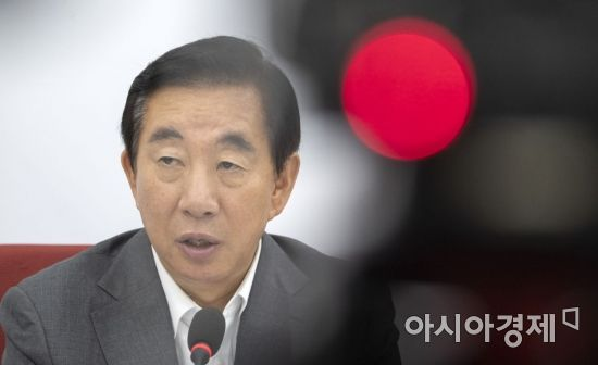 위기의 한국당…누가 누구에게 돌을 던질 수 있나