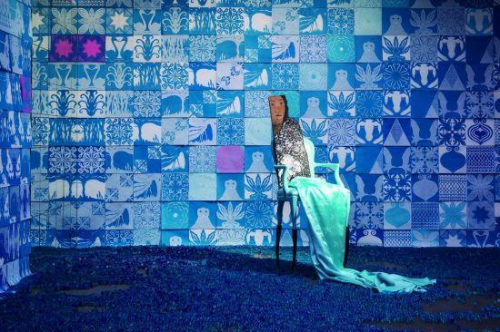 윤석남의 '블루룸'