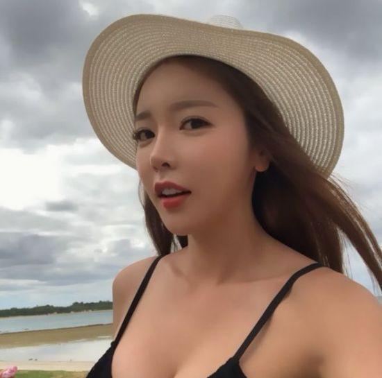 [포토] 홍진영 얼핏 보이는 몸매가…
