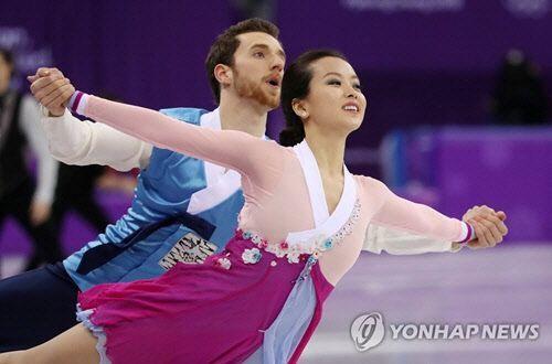 지난 2월 개최된 평창 동계올림픽에서 피겨스케이팅 아이스댄스 종목으로 함께 호흡을 맞춘 민유라와 알렉산더 겜린/ 사진=연합뉴스