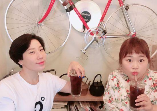 개그우먼 김영희, 홍윤화 / 사진=김영희 인스타그램 캡처
