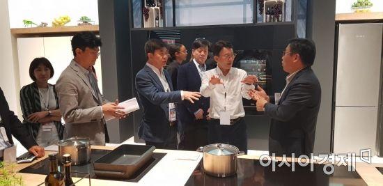 김현석 삼성전자 사장이 IFA에서 가장 먼저 찾은 전시장은?