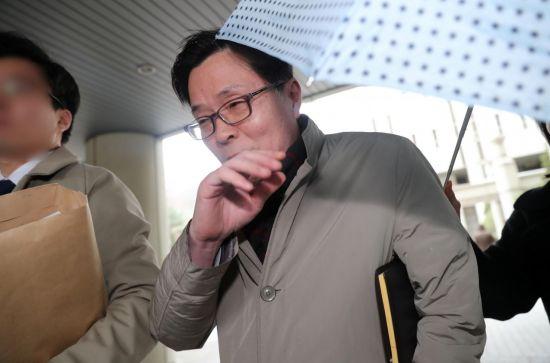 '업무상 위력 간음'김문환 전 에티오피아 대사 징역 1년 선고