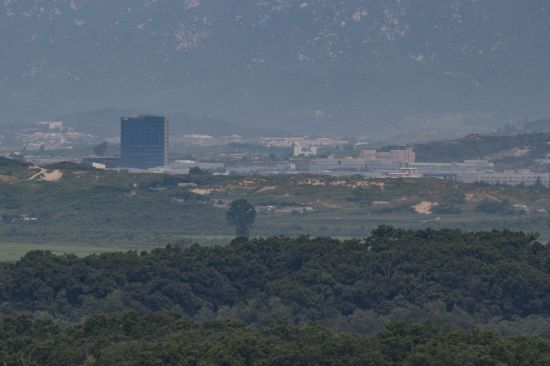 남북연락사무소에서 1km…2년7개월 닫혀있던 개성공단은