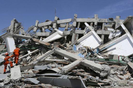 인도네시아, 쓰나미 사망자 1234명 발표…'계속 늘 듯'