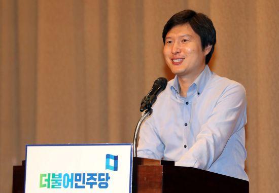 """[금요스토리]'외국 교과서에 실린 한국' 오류들…""""영양실조 한국, 모국어는 중국어"""""""