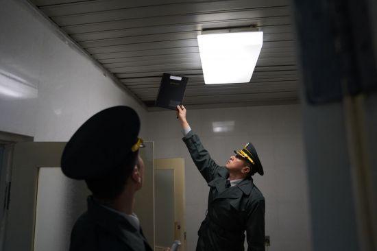 <h1>[양낙규의 Defence Club photo]JSA 비무장화 조치 완료</h1>