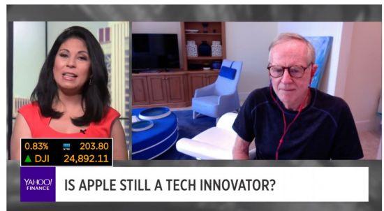 """애플 전 CEO """"팀 쿡의 삼성 따라하기 전략, 똑똑하다"""""""