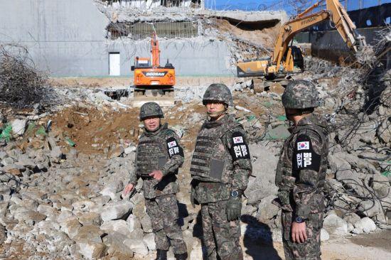 <h1>[양낙규의 Defence Club photo]남북 GP철거 시작</h1>