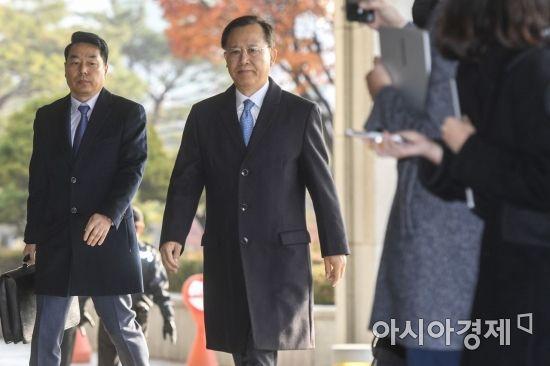 검찰 도착한 박병대 전 대법관