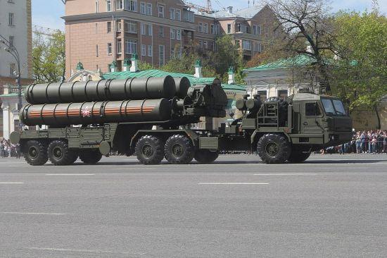 """무기 시장 뒤흔든 러시아 S-400미사일…""""美 제재에도 줄을 서"""""""