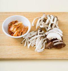 「오늘의 레시피」 김치 버섯전골