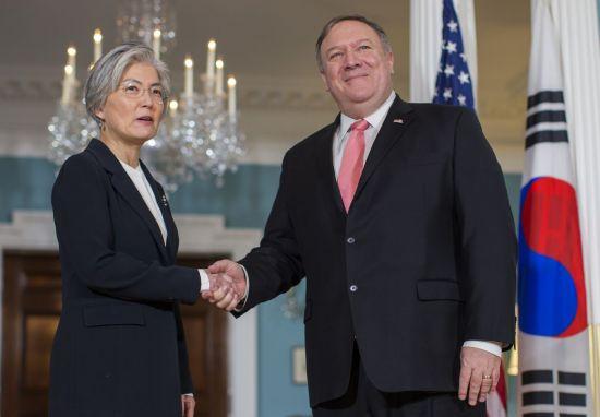 강경화-폼페이오 워싱턴서 회담…北비핵화 문제 논의