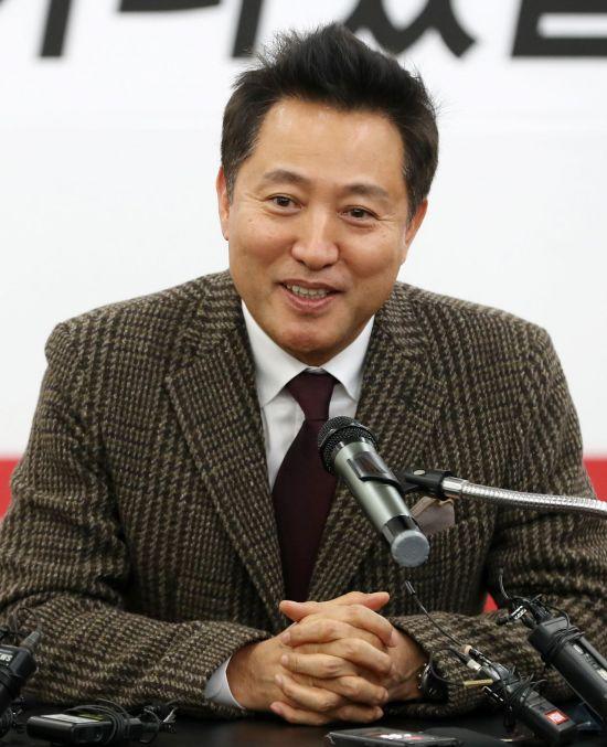 오세훈·황교안 다른 행보…'수면 위·아래 정치'