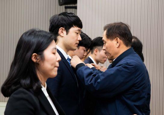 """정몽익 """"조직과 시장 선도하는 리더로 성장""""…KCC 신입사원 격려"""