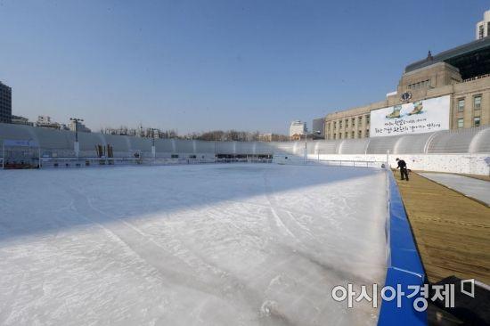 [포토]미세먼지로 인적 끊긴 스케이트장