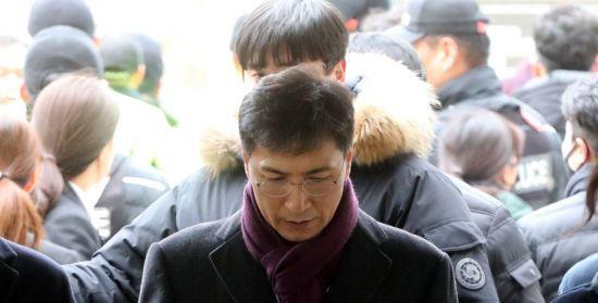"""한국당 """"與, 안희정 '법정구속' 이번에도 불복할건가"""""""