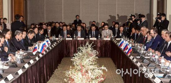 [포토]한국기업과 자리한 러시아 부총리