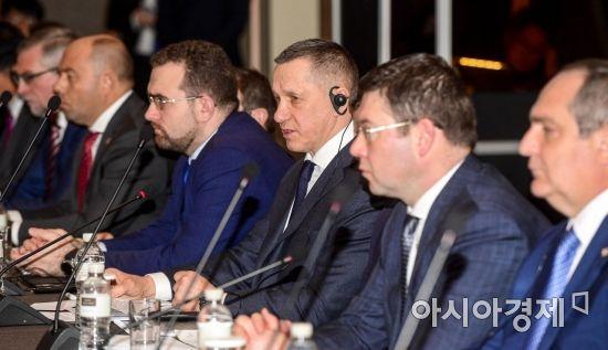 [포토]발언하는 트루트네프 러시아 부총리