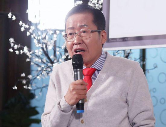 """홍준표 """"선거법 패스트트랙?…한국당, 얼마나 깔봤으면 그런 주장하겠나"""""""