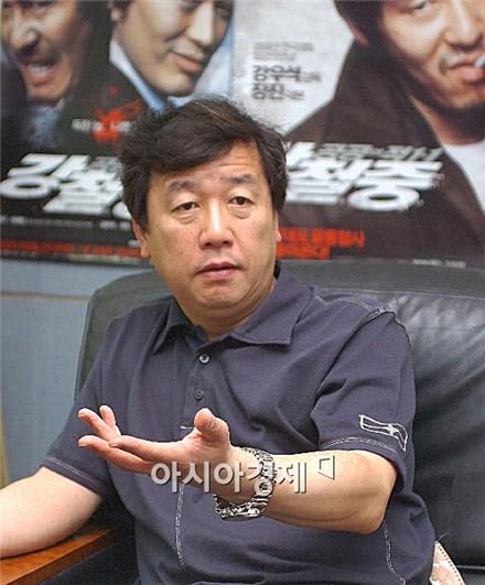 """강우석 감독 """"'강철중' 만들면서 머리에 쥐나는 줄 알았다"""""""