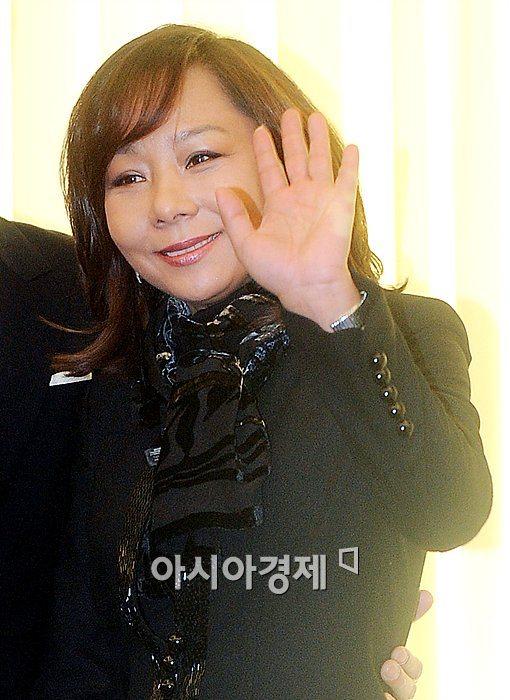 배우 김진아가 암투병 끝에 세상을 떠났다.