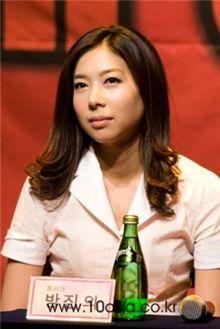 Actress Bang Jin-ui as Julia [Chae Ki-won/10Asia]