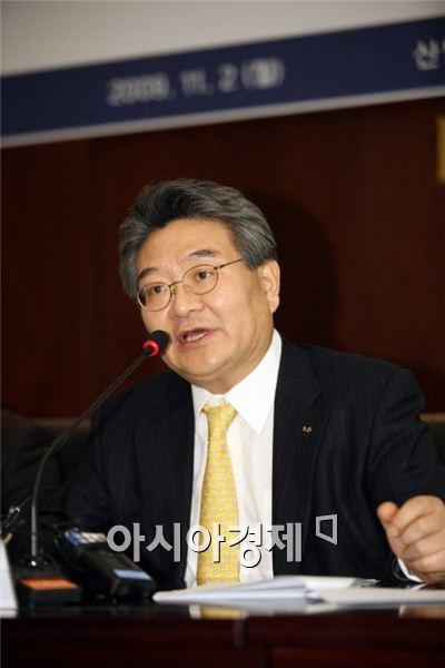 민유성 전 산은금융지주 회장