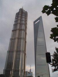 진마오다샤(좌)와 상하이국제금융센터(우)의 모습