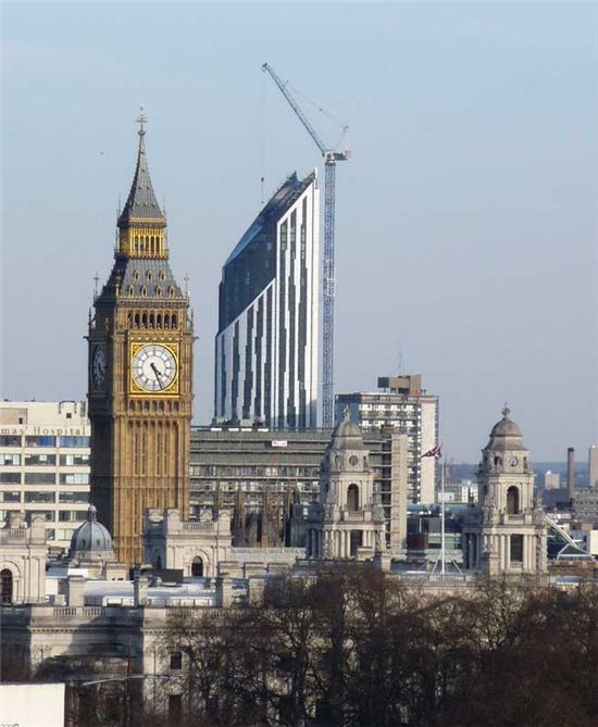 스트라타(Strata) SE1, 헤밀턴 건축사무소(BFLS, formerly Hamiltons Architects), 런던의 대표 건물인 빅벤(Big Ben) 옆에 풍력발전의 대표 건물이 들어선다. ⓒstratalondon.com