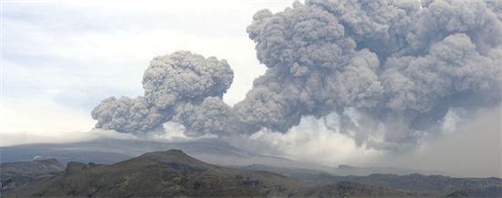 아이슬란드 화산재 생성 모습 (출처 AFP)