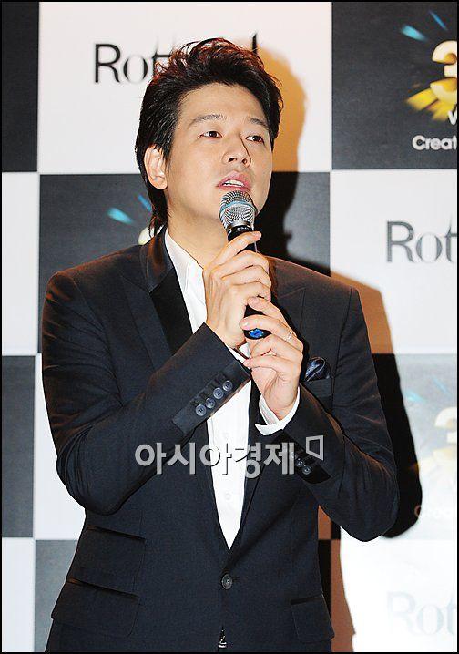 류시원, '여배우의 집사'로 2년 만에 방송 MC 복귀