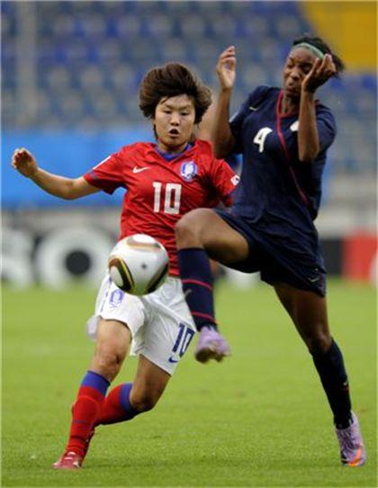 [AG]女축구, 북한에 1-3 패 결승 좌절..中과 동메달 다툼