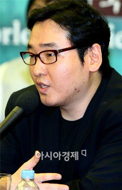 ▲작곡가 윤일상이 세월호 희생자들에게 연주곡을 헌정했다.
