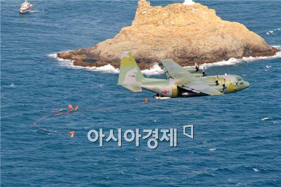259대대는 지난해 세계공군들이 보급품투하 실력을 겨루는 국제 로데오대회에서 최우수외국팀상을 받은 실력을 여과없이 보여줬다.