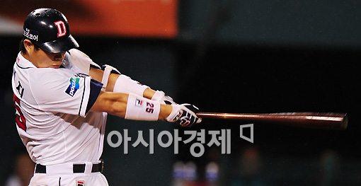 """'신인왕' 양의지 """"겨울잠 없다. 더 빠르고 강해지겠다"""""""