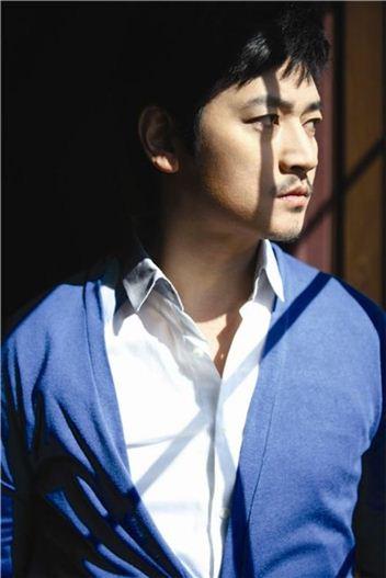 Korean singer Bobby Kim [Oscar Entertainment]