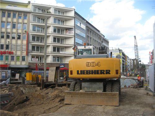 18일 독일 뒤셀도르프의 지하철·도로 공사현장