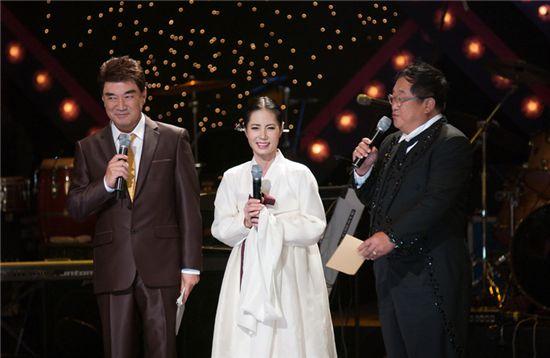 이덕화, 20년 만의 쇼무대서 무용가 아내 공개..'눈물펑펑'