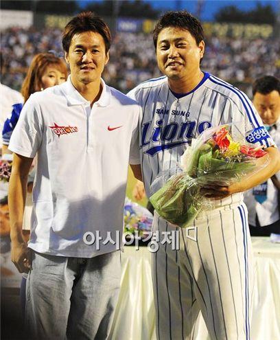 [포토]김병철 '준형이형 축하하러 왔어요'