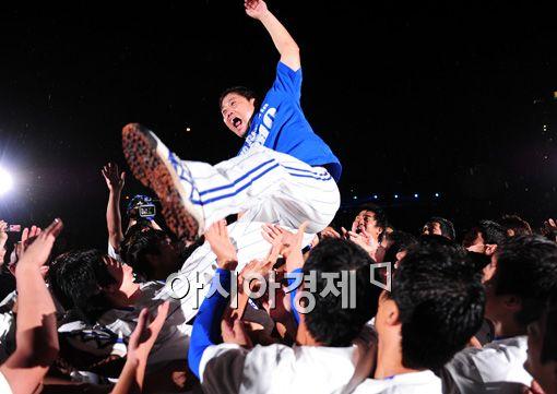 [포토]양준혁 '그라운드여 안녕!'