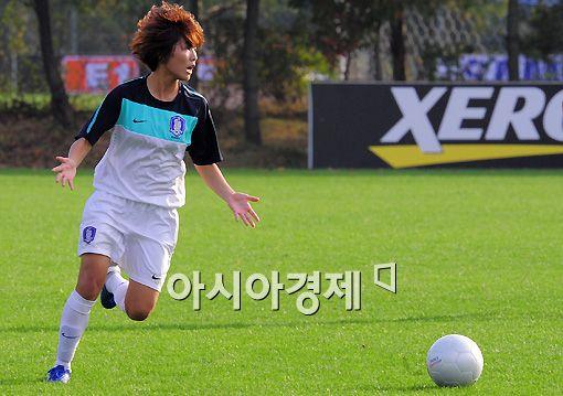 지소연, 2010 FIFA 올해의 선수 후보 올라