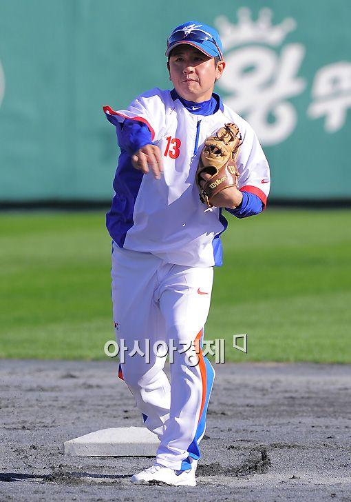 [포토]손시헌 '나는 국가대표 유격수!'