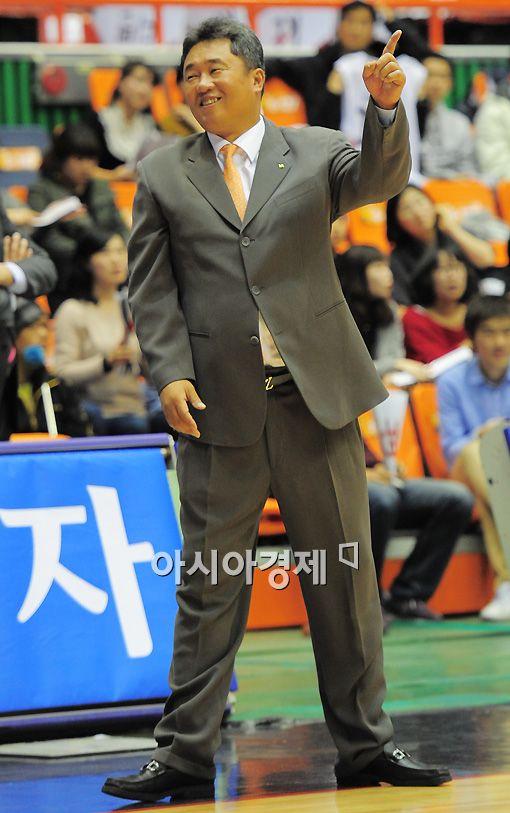 [포토]'승리예감' 전창진 감독