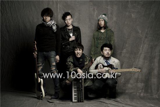 Koxx [Lee Jin-hyuk/10Asia]