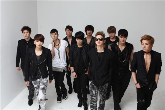 Boy band Super Junior [SM Entertainment]