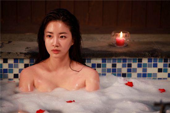 '시크릿 가든' 김사랑, 황홀한 목욕신 '공개'