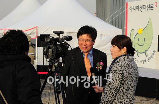 """[2010연비왕] 지역방송사 """"대회 취재 왔어요"""""""